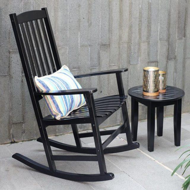 ghế bập bênh bằng gỗ sơn đen