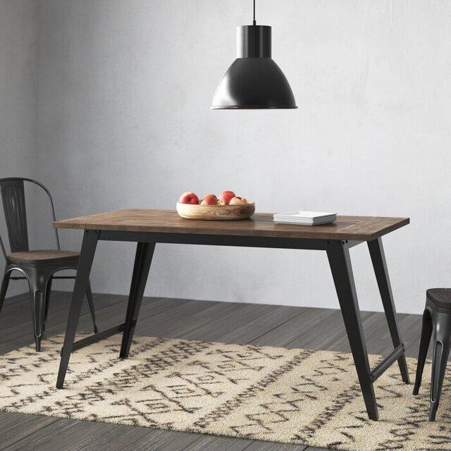 Bàn ăn 4 ghế mặt gỗ chân sắt đơn giản
