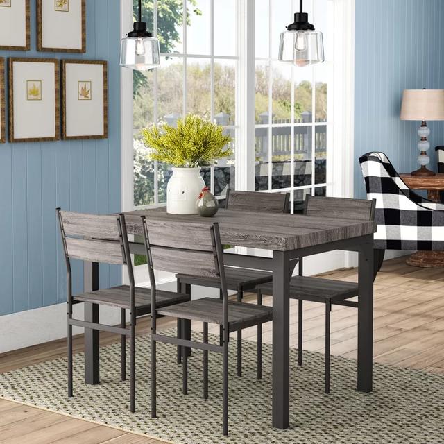 Bộ bàn ghế gỗ đơn giản