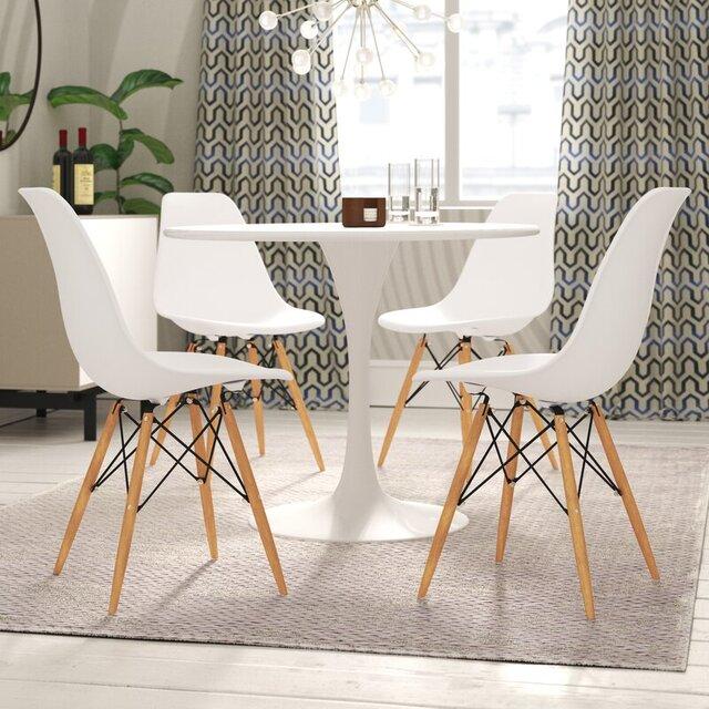 Chọn bàn ăn đồng nhất với màu ghế
