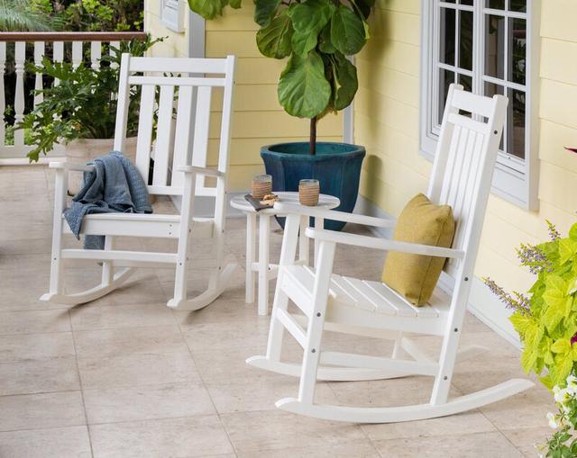 Bàn ghế ban công bập bênh giá rẻ màu trắng