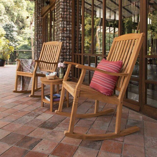 Bàn ghế cafe ngoài trời bập bênh bằng gỗ