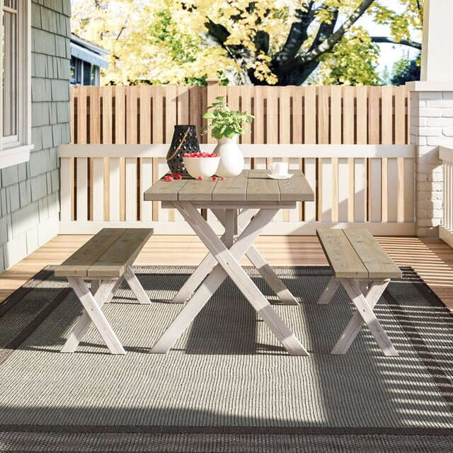 Bộ bàn ghế ban công bằng gỗ thông
