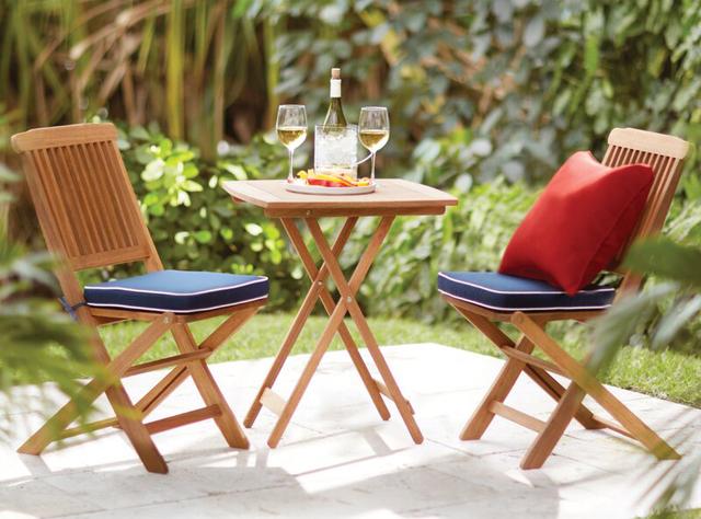 Bàn ghế sân vườn ngoài trời đơn giản bằng gỗ keo