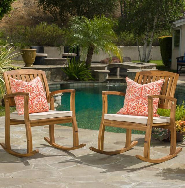 Ghế gỗ sân vườn